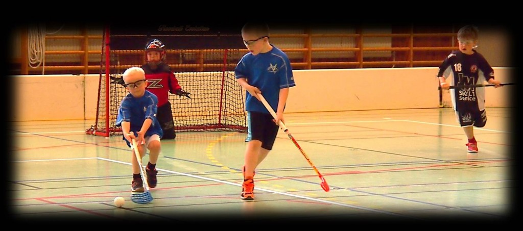 Floorball youth game
