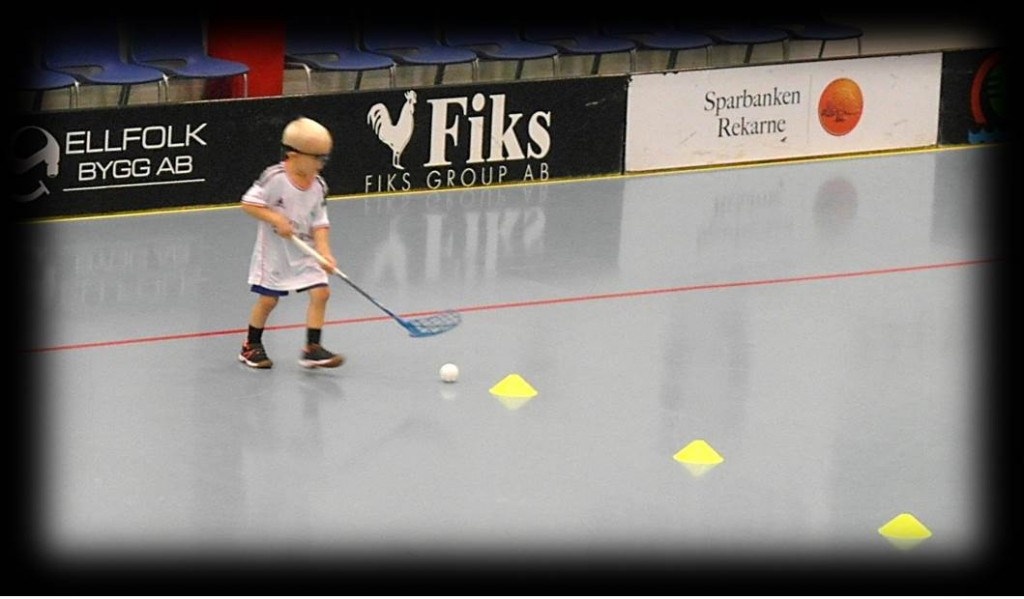 Floorball practice drill dribbling