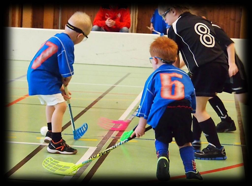 Floorball practices, games and drills